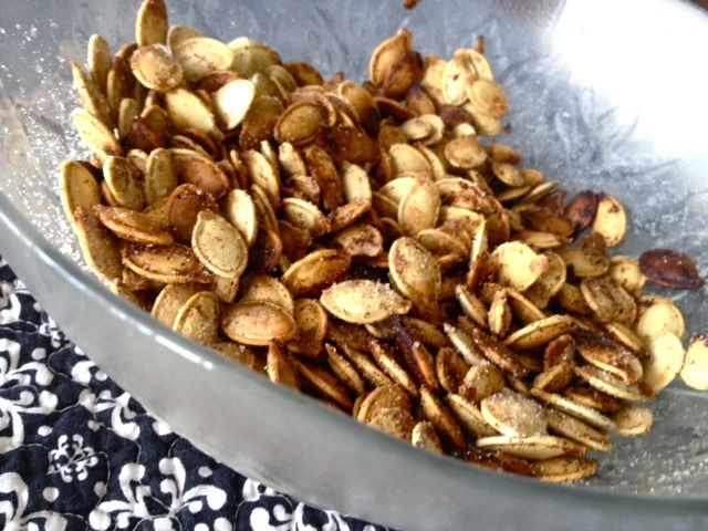 Pumpkin Pie Spiced Pumpkin Seeds - Comfy in the Kitchen