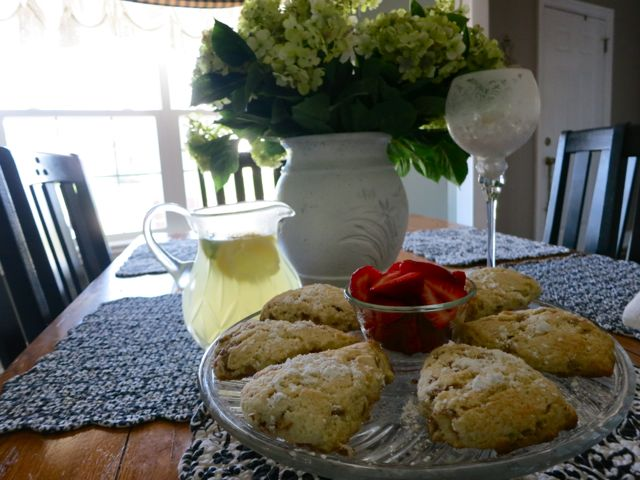My cinnamon scones recipes is super easy to make and so delicious. They go great with coffee or tea and is perfect to make for a brunch with friends.  #womenlivingwell #scones #cinnamon